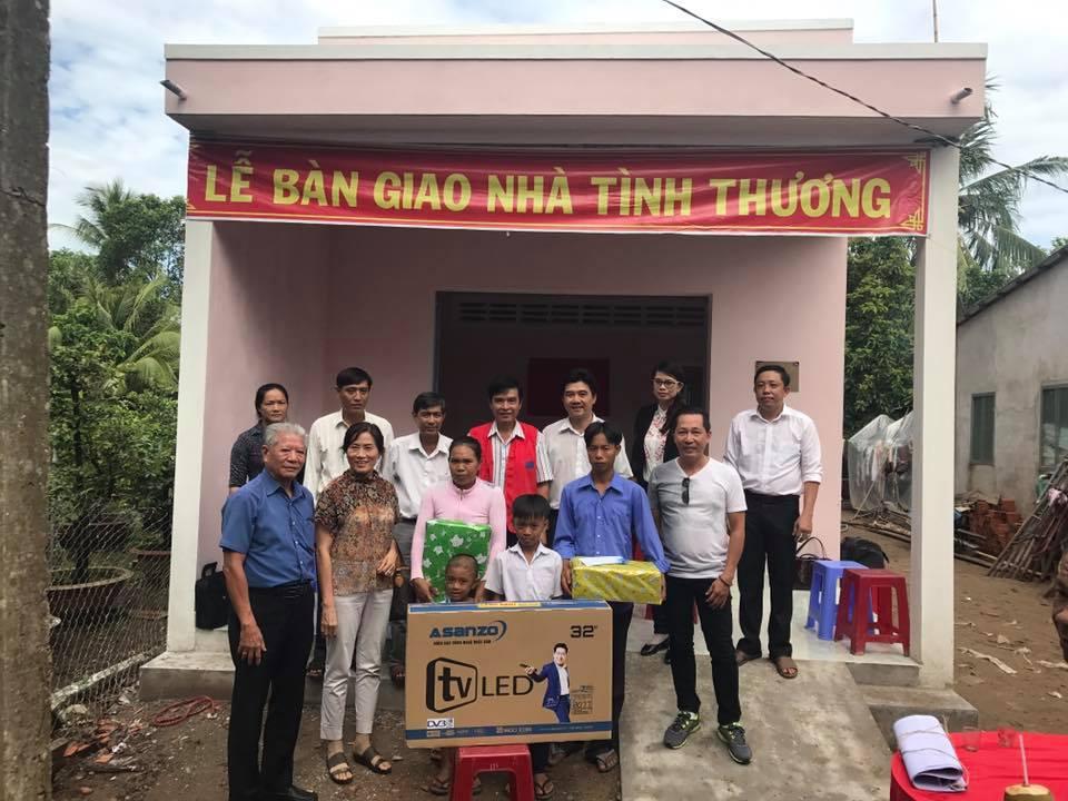 Trao nhà tình thương cho hộ nghèo tỉnh Bến Tre
